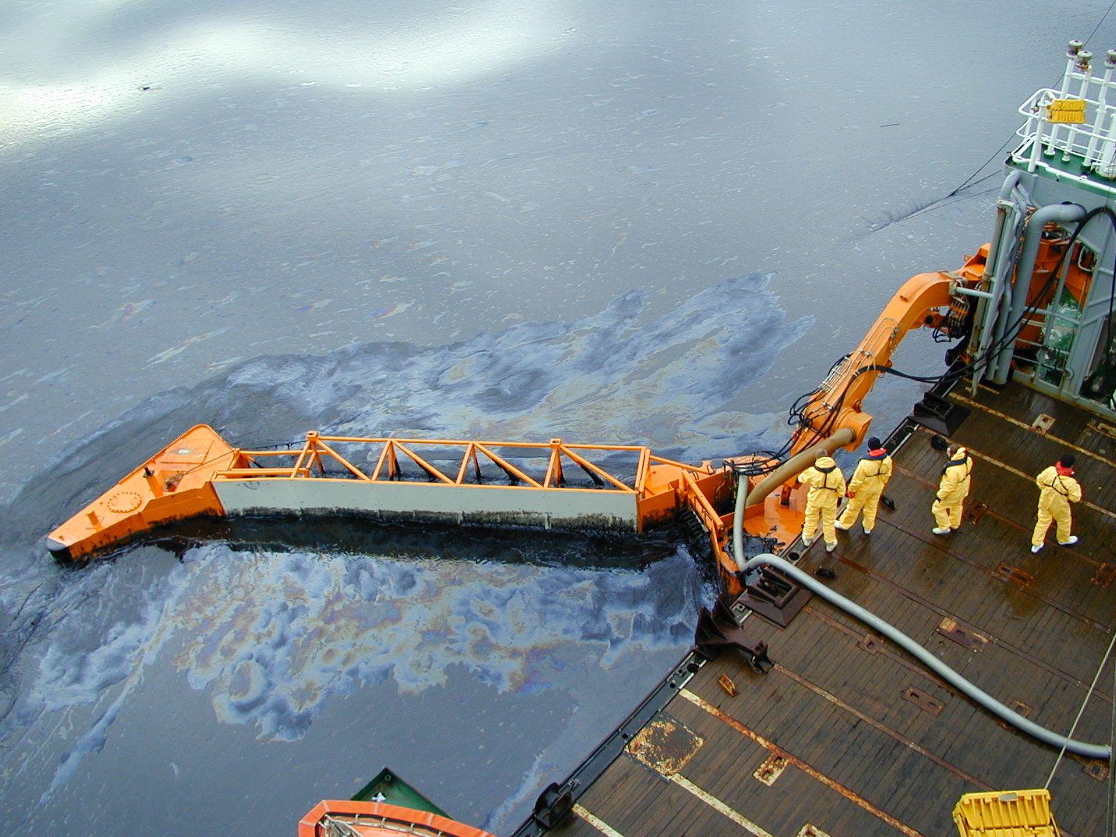 sos môi trường, ứng phó sự cố tràn dầu bà hóa chất, ứng phó sự cố môi trường, an toàn môi trường